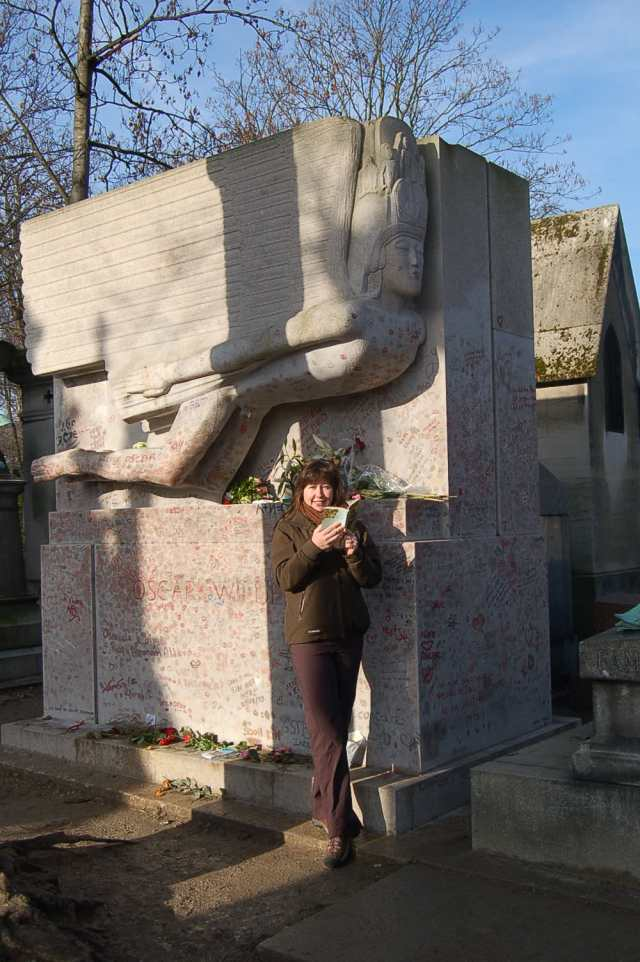 Katrina and Oscar at Pere Lachaise cemetery, Paris